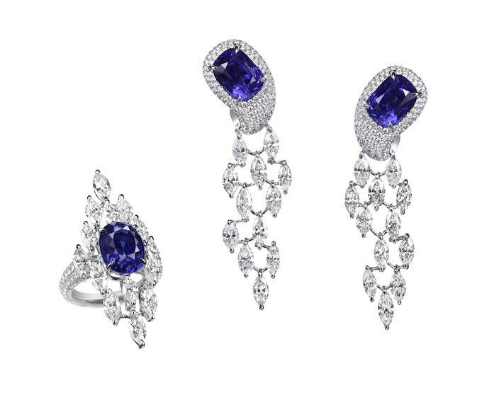 Earring in blue. BOGH-ART