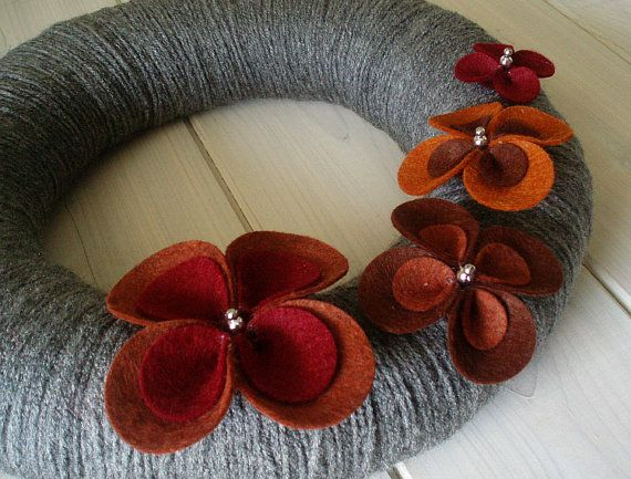 love this wreath... do I have the patience to make it though... that is the question.