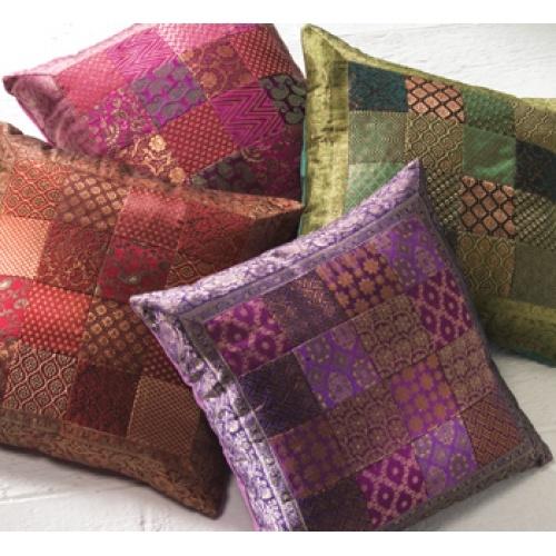 Cubre cojines elaborados con saris reciclados por artesanos indios cojines pinterest - Cojines indios ...