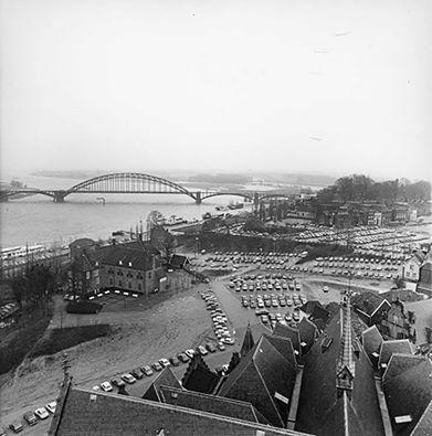 Genoeg parkeerplaatsen in de benedenstad in 1977