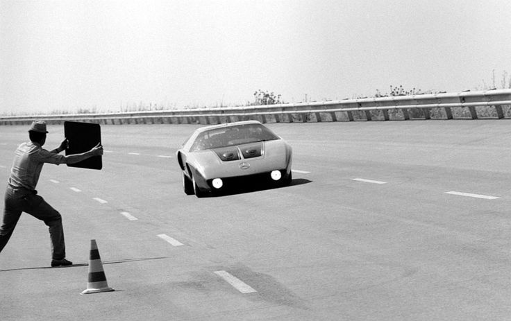 C 111-IID slog 16 rekord på Nardo 1976. Notera, de uppfällbara strålkastarna saknas.