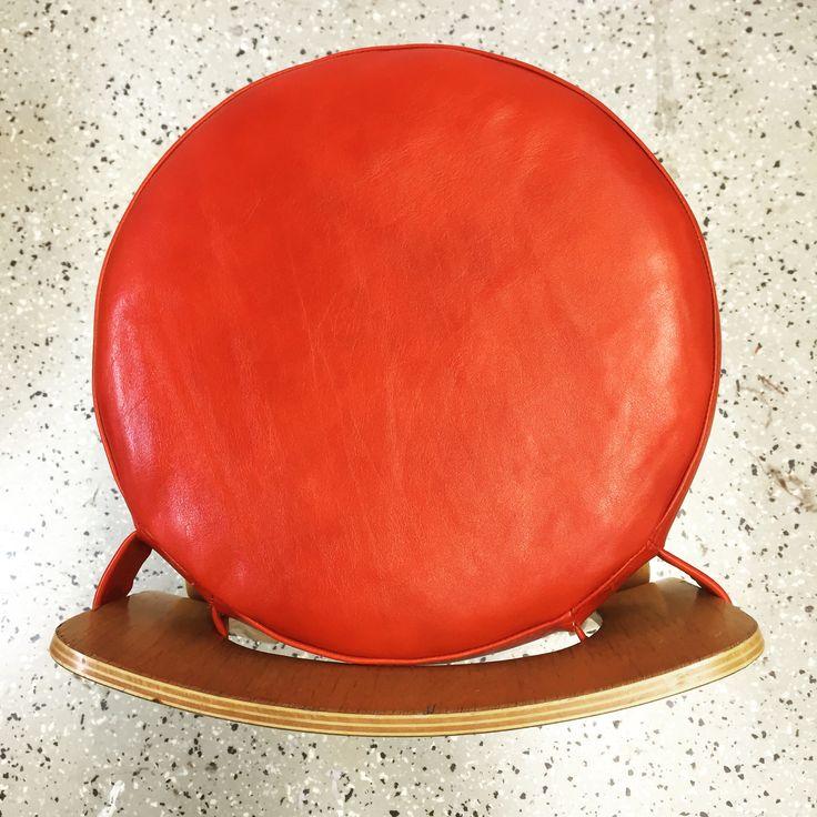 Irtotyyny #artek k65 tuoliin #verhoilu #verhoomovanhanviehätys #upholstery #verhoomo #tyyny