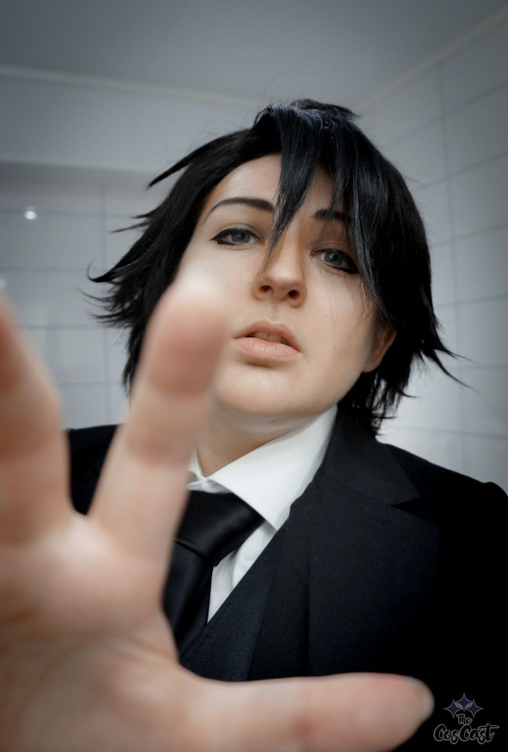 Jumin Han cosplay from the mobile game Mystic Messenger. Cosplay and photo by Pixiedust Cosplay.