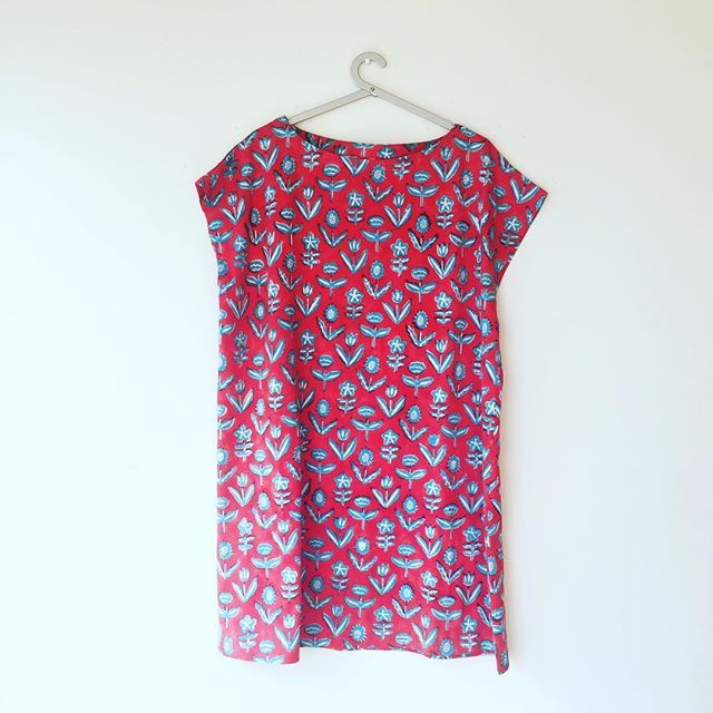 Soft, stretchy, chic organic cotton jersey tunic/ t-shirt dresses that will take you from the beach to the trail to the dance floor! And all points in between too. Block printed in Rajasthan, designed by me in Toronto! ❤️️💙‼️ #blockprint #printandpattern #printedjersey #organiccotton #ethicalfashion #ecochic #ecostyle #ecofashion #slowfashion #sustainablefashion #fairtrade #floral #dress #tunic #tshirt #boatneck #aprilflowers #spring #toronto #india #💙#❤️️