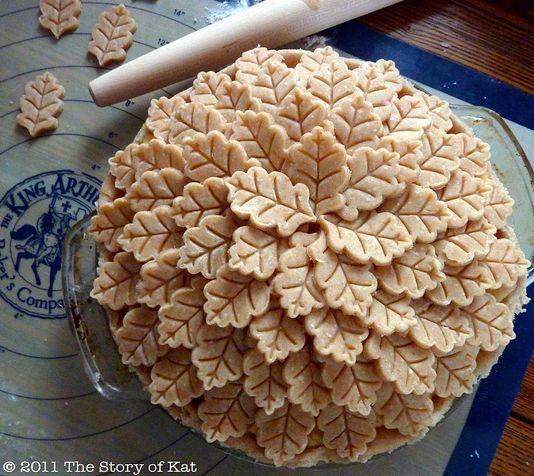 Fancy Pie Crust | decorative pie crust.....my next challenge to master. | Yummy stuff