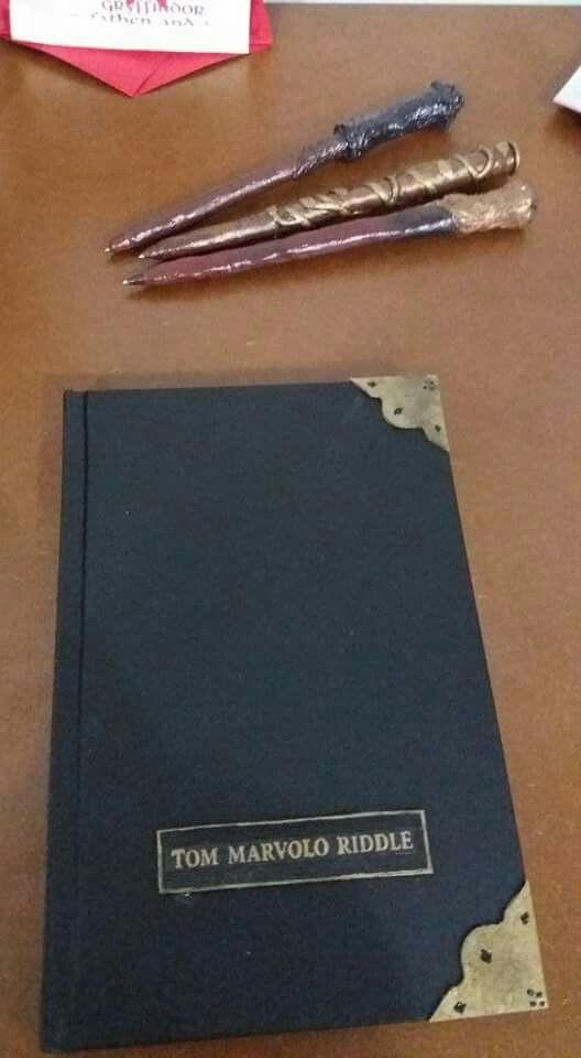Canetas em forma de varinha + Diário de Tom Riddle