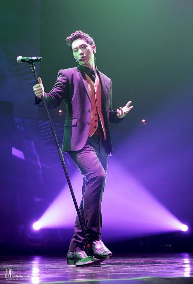 "[OFFICIAL] 08122012 – 2012 2PM LIVE TOUR ""What Time Is It"", JAKARTA. ©JYPE via http://facebook.com/2pm.jype"