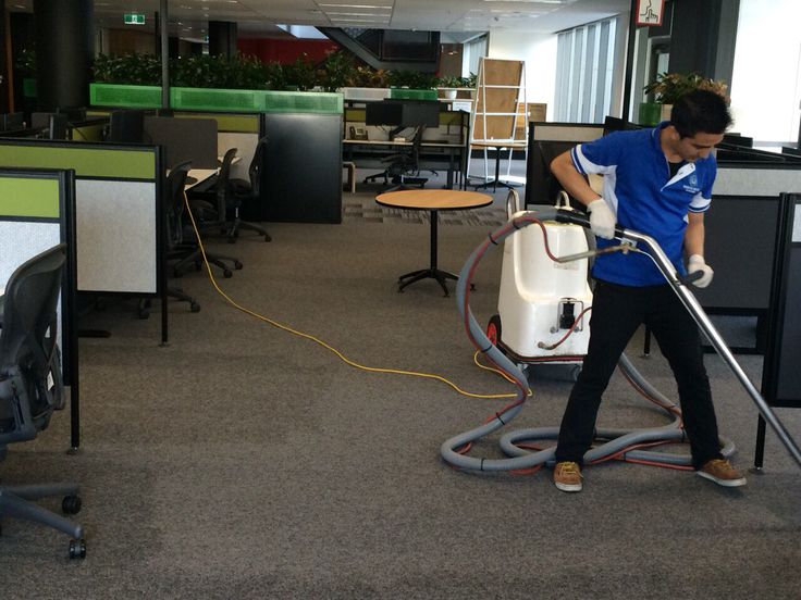Carpet steam cleaning for commercial building..