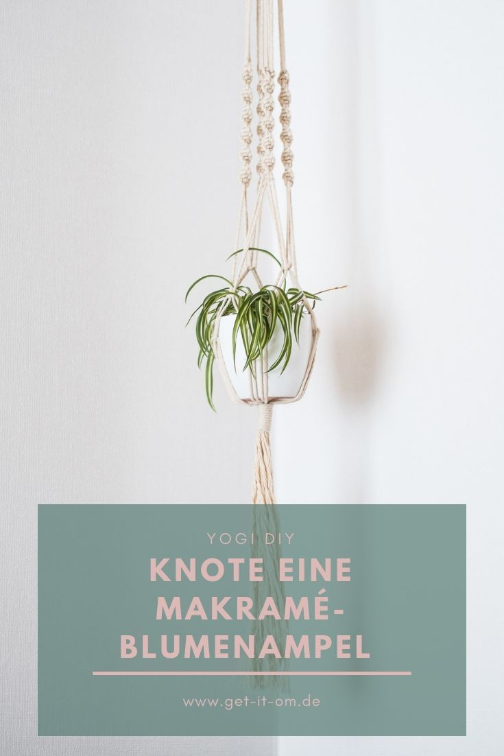 Simple DIY Makramé flower basket for your yoga corner