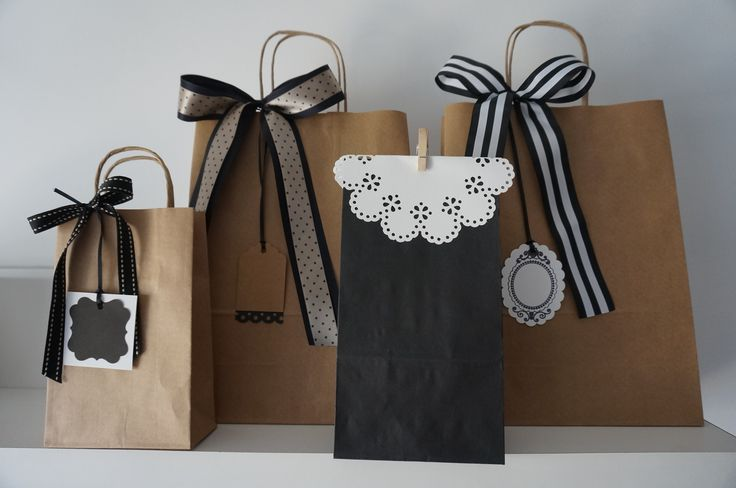 PACK BOLSAS DE REGALO ¨REBECCA BLACK¨, $65 en http://ofeliafeliz.com.ar