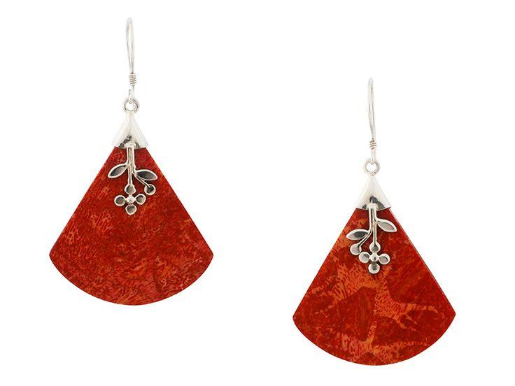 Zilveren oorbellen uit Indonesië - Balinese koraal oorbellen met zilveren decoraties