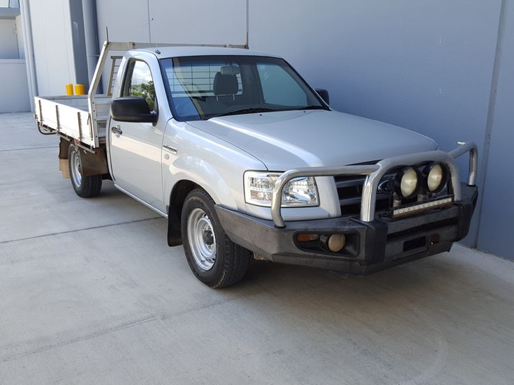 This Turbo Deisel 4×2 Ute with alloy tray was hand picked for its reliability and safety. Featuring a strong fuel efficient 2.5L 4 cyl engine with 5 speed Manual transmission. This car has been well cared for. Comes with log books, maintenance history and has an exceptional mechanical inspection report. Call Dean on 0422 125 986. #usedcars #carsforsale #Manual #Ford #Ranger