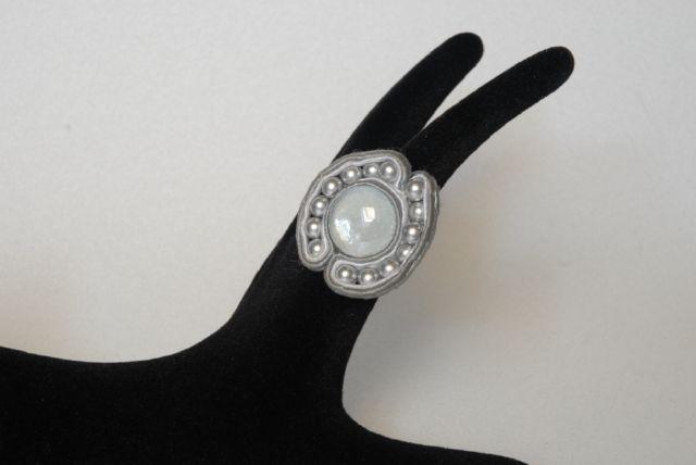 DSC_0097.jpg (640×428) Soutache ring.  Donatella Vassallo creation