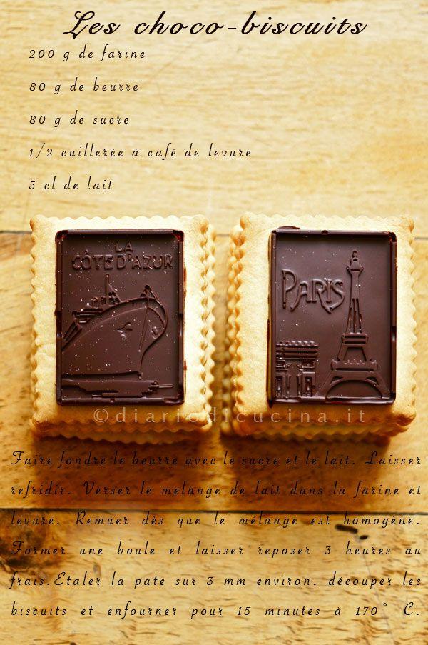 Petits-beurre con tavoletta al cioccolato. I petits-beurre sono i classici biscotti da inzuppo francesi. Diario di Cucina. Expat-Mamma in Francia