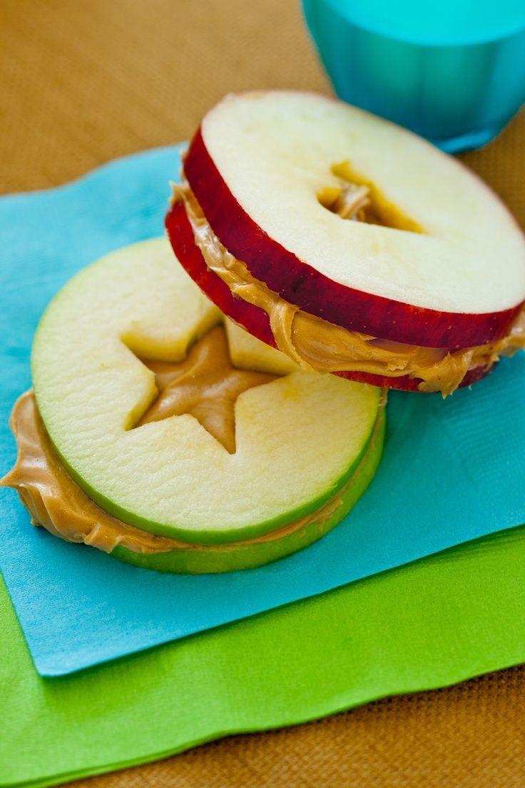 gesunde Abendsnacks - Apfel mit Erdnussbutter