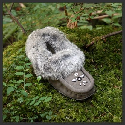 Ladies Grey Canadian Made Leather Fur Trim Beaded Moccasins - Leather Moccasin - Rabbit Fur Moccasin - Fleece Line Moccasins - Winter Slippers