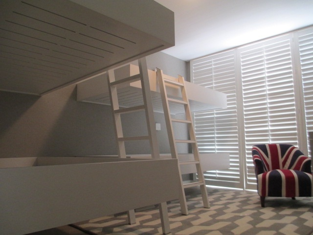 Floating beds for children bedroom in Key Biscayne - Miami