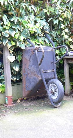 How Do I Get the Wheelbarrow Wheel Off of the Axle? | Hunker
