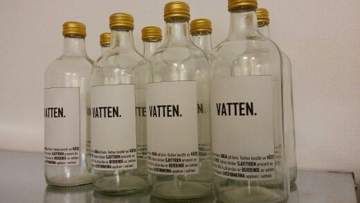 Glasflaskor fick nytt liv med hjälp av nya etiketter