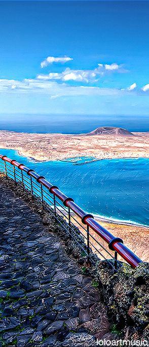 La Graciosa desde el mirador del Río, Lanzarote.