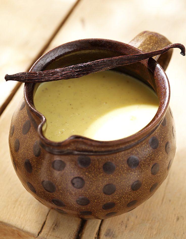 Recette Crème anglaise THERMOMIX : Mettre dans le bol 500 g de lait, 6 jaunes d'oeufs, 70 g de sucre semoule, 1 sachet de sucre vanillé, régler 7 mn à 80�...