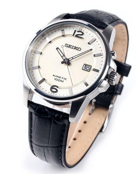Montre Seiko Kinetic SKA667P1 homme avec bracelet en cuir noir et cadran blanc crème, mouvement 5M85 avec 6 mois de réserve de marche.
