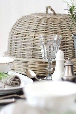 Pretty wicker basket to complement outdoor wicker furnishings. From Anna Truelsen inredningsstylist