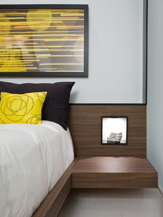 La niche cr  e dans la t te de lit permet de disposer une bougie  un radio. Top 25 ideas about Radio Reveil Design on Pinterest   R veils
