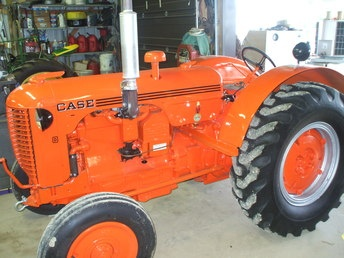 1940 Case D Tractor. I renewed a tractor like this in high school agriculture shop& farmed with it during my teen years