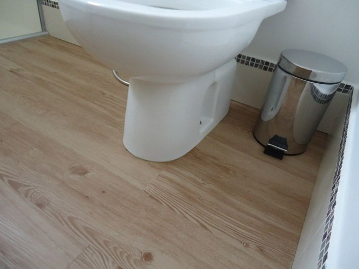 piso vinlico na cozinha e no banheiro