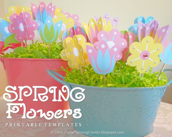 Printable paper flowers templates with instructions from http://partyplanningcenter.blogspot.com/2012/04/spring-paper-flowers.html