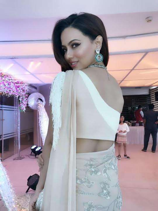 Gorgeous Sana Khan in Reeti Arneja and Jewellery by MiRA by Radhika Jain for an event in Mumbai