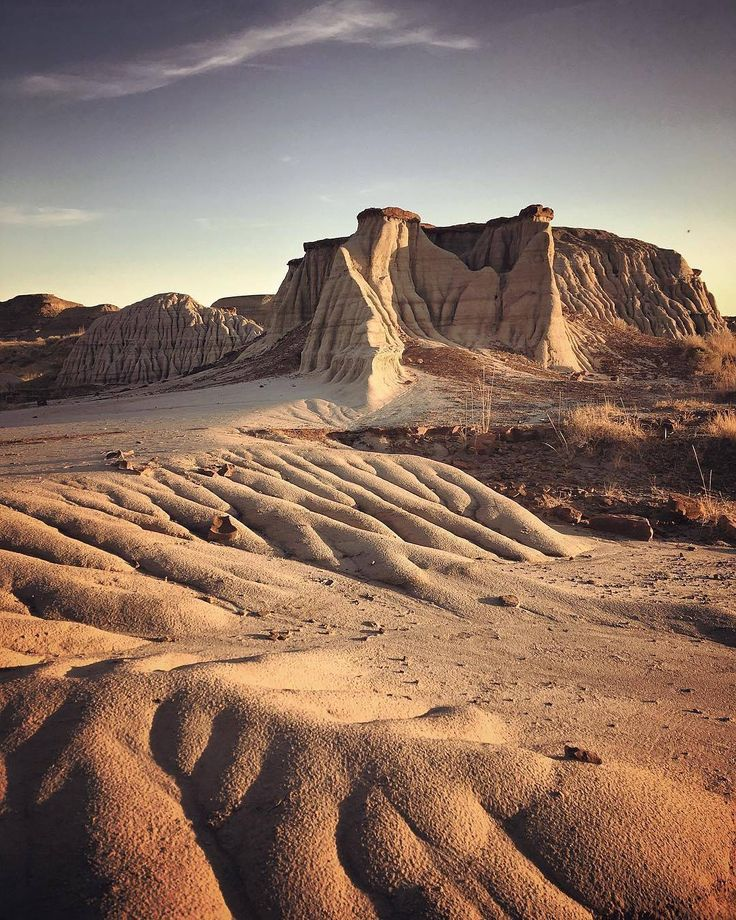 Dinosaur Provincial Park, Alberta. Image by @jeremyklager #ImagesofCanada