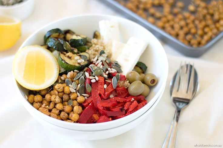 Combining the trend of abundance bowls with the health benefits of the Mediterranean Diet, the Mediterranean Bowl is a delicious vegetarian, low FODMAP meal.