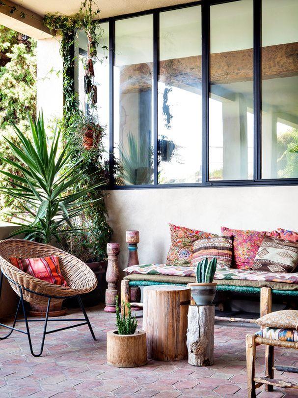 Elegant Bohemian Decor: Jardin Bohémien Dans La Maison Bohème De La Créatr.