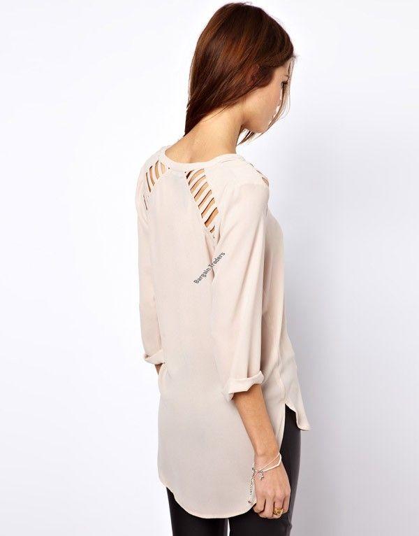 Women's cutout V-neck Posterization T-shirt - back