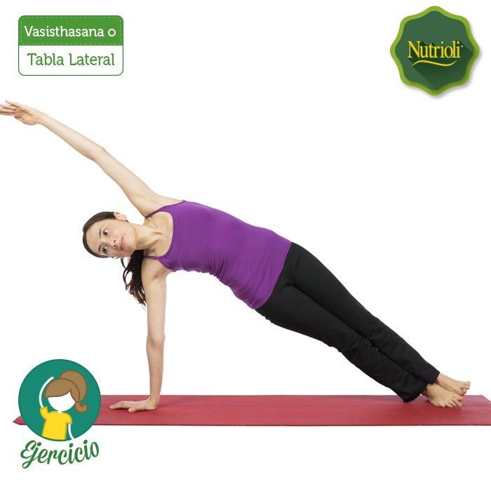 ¡Dale la bienvenida a la semana ejercitándote con yoga!  La postura de la Tabla Lateral fortalecerá tu abdomen y brazos. ¡Reta a una amiga a hacerla!