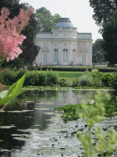 #Parc de Bagatelle in the Bois du #Boulogne, #Paris. The garden side has a soaring dome above the roof line. 1777