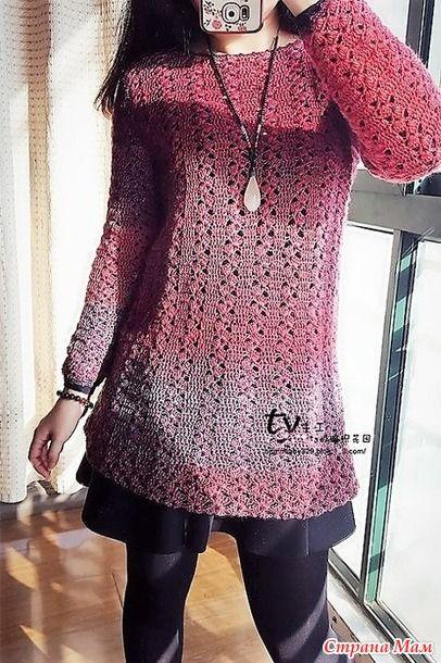 Это платье очень подходит для холодного времени года. Оно не только очень уютное но и смотрится очень нежно благодаря цвету пряжи и узору. Пряжа секционная шерсть.