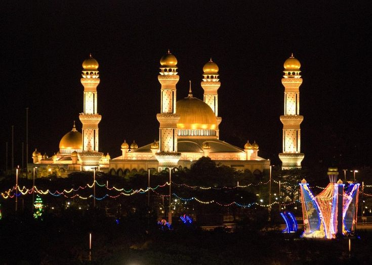 Jame'asr Hassanil Bolkiah Mosque – Bandar Seri Begawan, Brunei