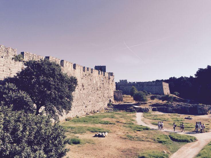 Ringmuren runt Gamla staden i Rhodos stad på Rhodos.