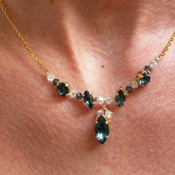 Vente de Perles et accessoires au détail,création et réparation de vos bijoux,atelier créatif à Lyon,Perles en folie