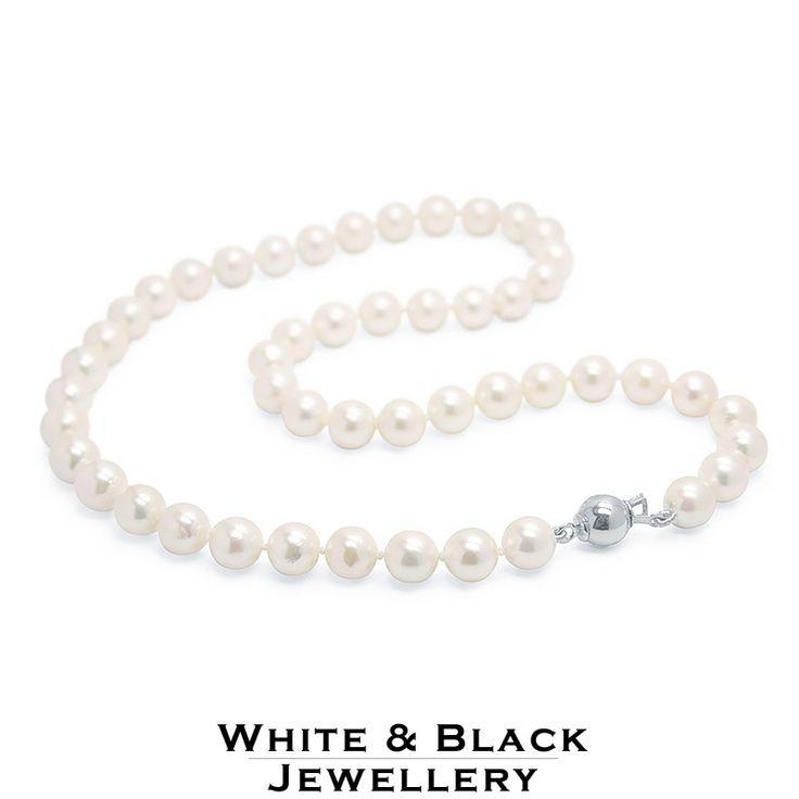 8mm akoya pearl strand with white gold clasp - 8mm akoya igazgyöngy sor fehér arany zárral