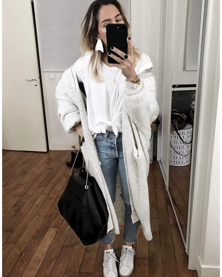"""4,425 mentions J'aime, 54 commentaires - Audrey Lombard (@audreylombard) sur Instagram : """"Journée pluvieuse et retour du t-shirt Dioni ✨ Tous les liens des dernières tenues ont été mis à…"""""""