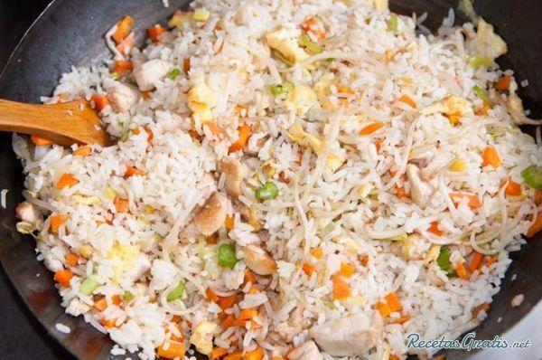 Receta de Arroz frito chino - Fácil - 6 pasos