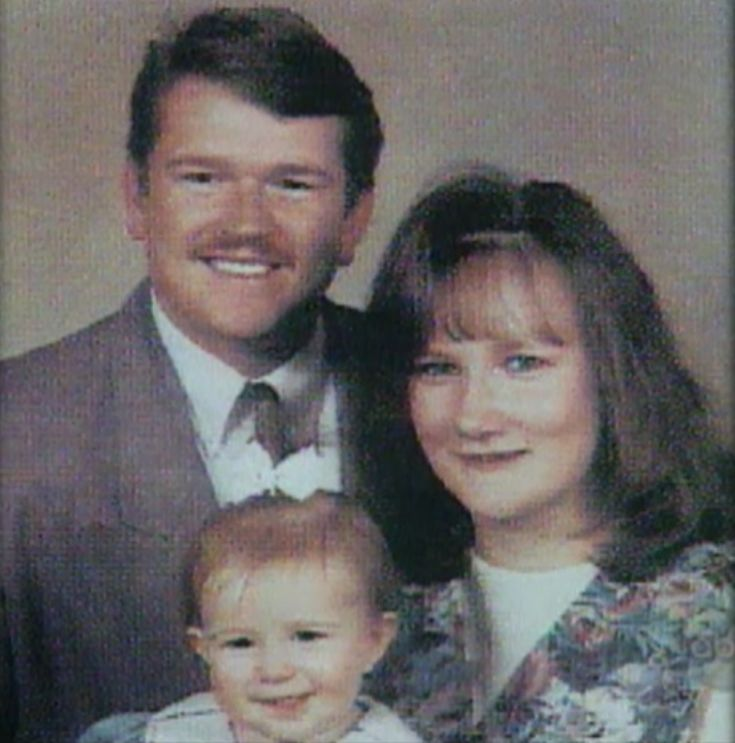 02-Bobbi-and-Kenny-McCaughey-with-daughter-Mikayla-Marie