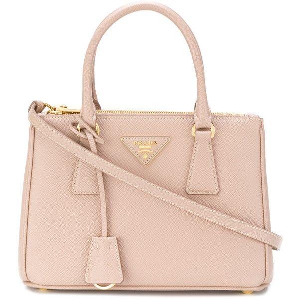 Prada Galleria tote bag ($1,925) ❤ liked on Polyvore featuring bags, handbags, tote bags, prada tote bag, zipper tote, tote handbags, zip tote and zippered tote bag