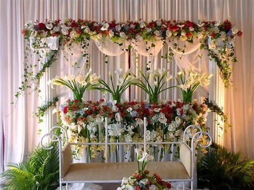 Model rangkaian bunga untuk dekorasi ruang pelaminan pengantin atau acara pernikahan 2015