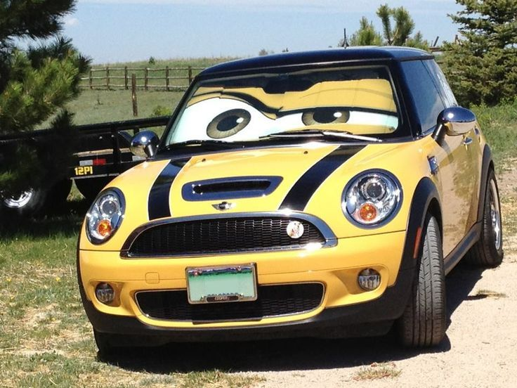 I want a mini cooper so bad. Love the sunshade idea!! How cool is this!!