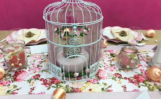 Vous rêviez d'une déco de table so british le temps d'un brunch ou d'un thé gourmand ? Avec cette table, Zoé vous a trouvé les accessoires dont vous aviez besoin. #ZoéConfetti  #thé #bougies #fleurs #british #zen